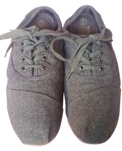 TOMS Casual Comfortable Gray Athletic