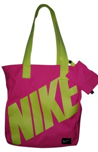 Pink Nike Bags - Up to 90% off at Tradesy e047a4bb80