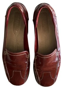 Kenneth Cole Reaction Burgandy Flats
