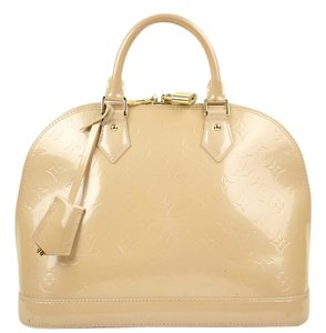 Louis Vuitton Vernis Alma Gm Tote in Blanc Corail