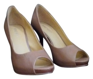 Nine West CAMEL/TAN Pumps
