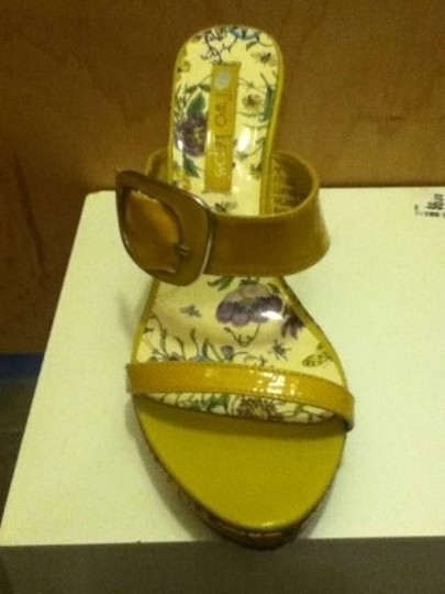 Too Lips Yellow Wedges