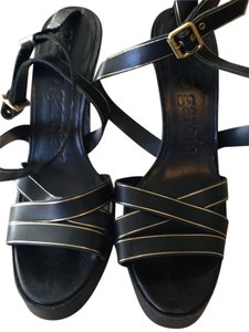 Pedro Garcia Black with fine line of gold Pumps