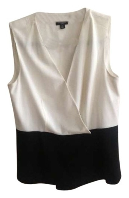 Preload https://img-static.tradesy.com/item/118085/ann-taylor-white-and-black-blouse-size-petite-6-s-0-0-650-650.jpg