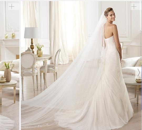 Pronovias Orel Wedding Dress