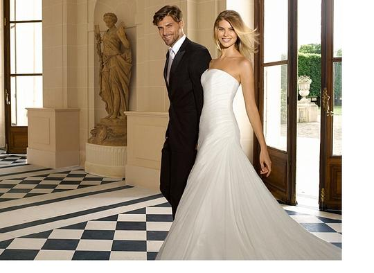 Pronovias Off White Soft Tulle Orel Formal Wedding Dress Size 4 (S)
