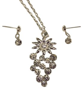 Swarovski Swarovski necklace/earring set