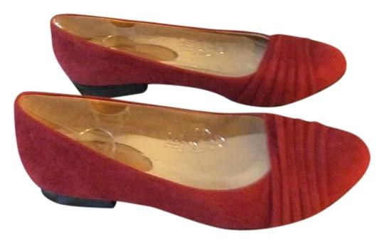 Naturalizer Leather Suede Suede Pleated Details At The Toe Red Flats