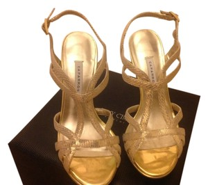Caparros Size 5 Like New Light Gold Textured Sandals