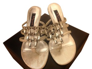 Nina Size 5-1/2 Kitten Heel Silver Embellished Silver jeweled Sandals