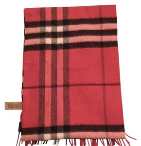 Burberry Classic Cashmere Scarf in Check Fuchsia Pink