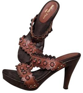 Isabella Fiore Brown Platforms