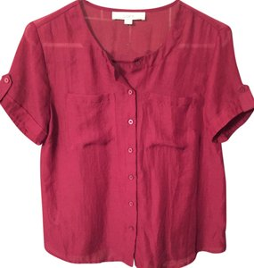 Ann Taylor LOFT Like New Short Sleeve Button Up Casual Burgundy Lightweight Button Up Petite Sexy Wine Color Top