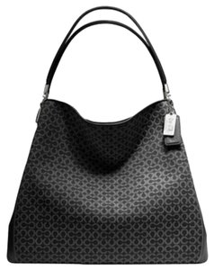 Coach Madison Signature Phoebe Shoulder Bag