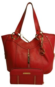 42a2a518851a Michael Kors Moxley Leather Zipper Mk Shoulder 889154938847 35h5gmxe2l Set  Wallet 889154938953 Tote in Red