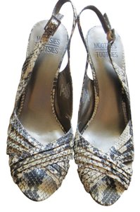 Mootsies Tootsies Black/White Snake Skin Pumps