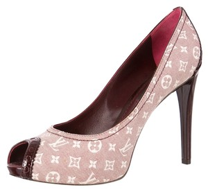 Louis Vuitton Brown Patent Patent Leather Peep Toe Lv Logo Monogram Stiletto Platform Hidden Platform New Gold Gold Hardware Print 6 Beige, Ivory, Red, Pink, Purple Pumps