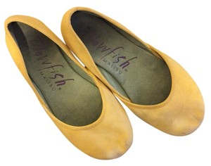 Blowfish Malibu Yellow tye-dye Flats