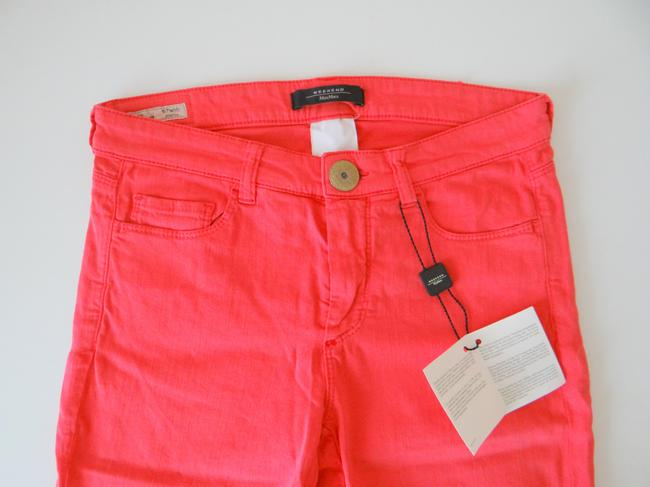 Max Mara New With Tags. Pink. Size Small. Skinny Jeans-Medium Wash