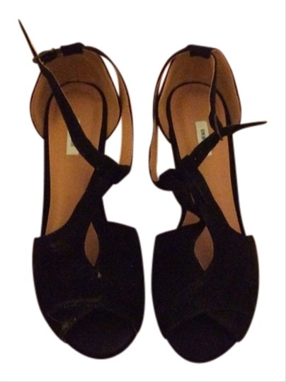 Urban Outfitters Pumps T-strap Suede Leather Imported Peep Toe Open Toe Black Wedges