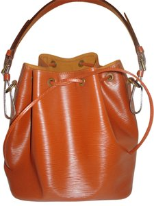 Louis Vuitton Noe Epi Leather Vintage Color Tote in Brown