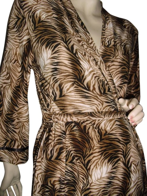 Item - Beige and Brown Studio Wrap Tiger Print Wrap Knee Length Short Casual Dress Size 6 (S)