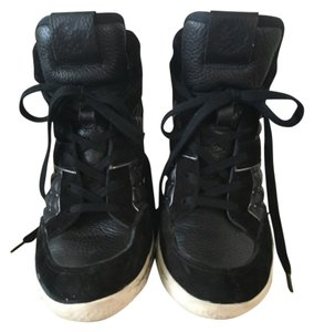 Vince Camuto Blac Athletic