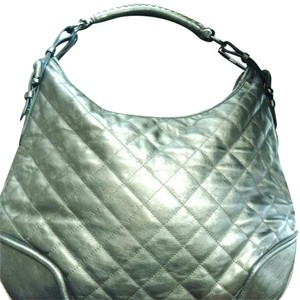a684ee9509df Burberry Leather Bags - Up to 70% off at Tradesy (Page 2)