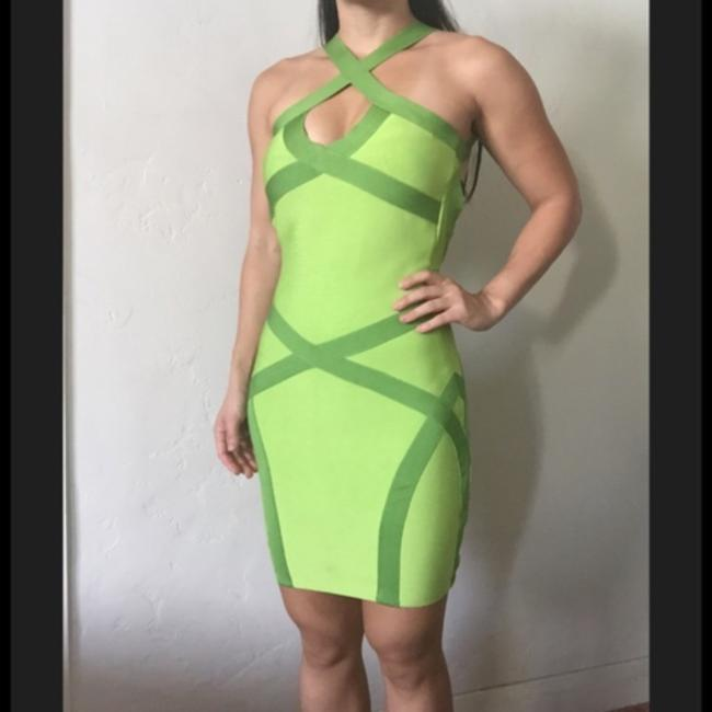 Item - Green Silver Crisscross Bodycon Bandage 900 Kaitlyn Sequin S Above Knee Cocktail Dress Size 2 (XS)