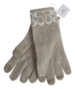 Coach Nwt Coach Beige Knit Gloves With Texting Fingers One Size Fits All