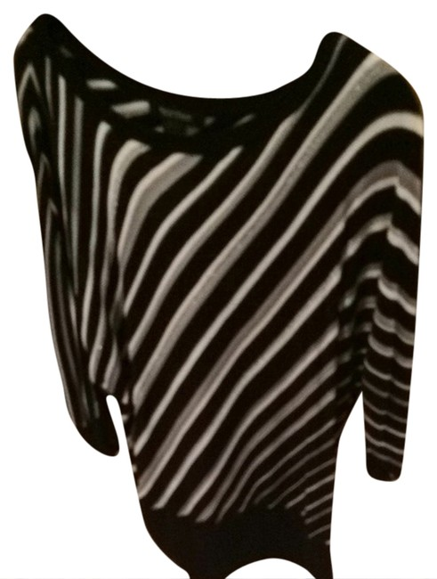 Item - Zig Zag And Black/White/Silver Sweater