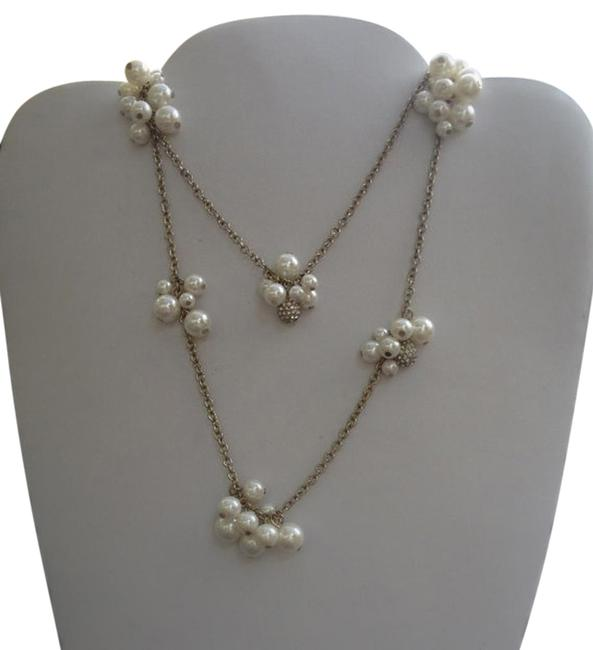 Item - Pearl Cluster Necklace