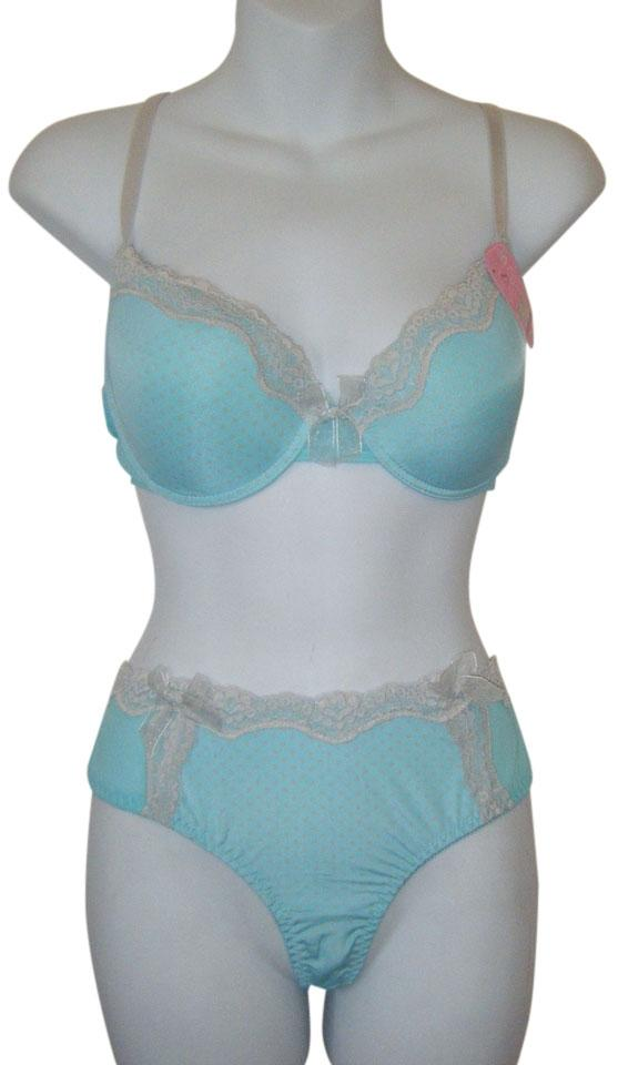 578acd832c85 32a & Small Panties Set Contour Push Up Embroidered Lace W Thong Activewear  Sports Bra