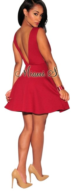 Item - Red Short Cocktail Dress Size 4 (S)