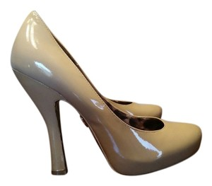 Betsey Johnson tan patent leather Pumps