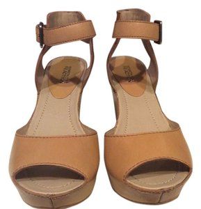 Kenneth Cole Platform Wedge nude Platforms