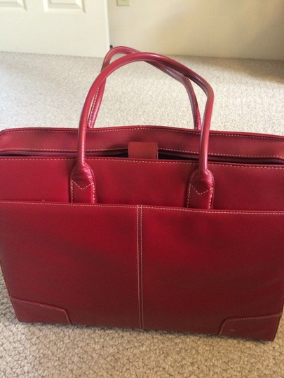 Targus Tote in Red Image 2