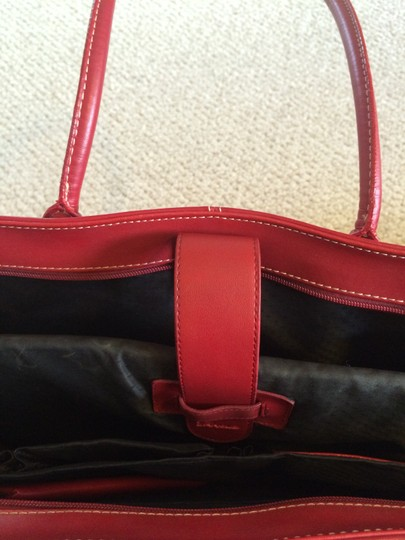 Targus Tote in Red Image 5
