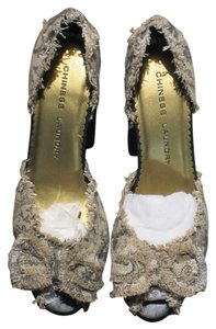 Chinese Laundry Glittery Taupe/Black Paisley Pumps