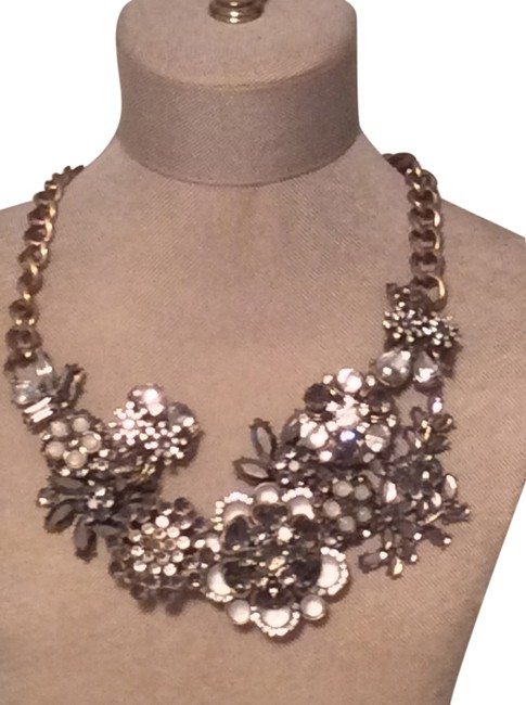 Item - Multi Grey Crystal Silver Statement with and Flowers Necklace