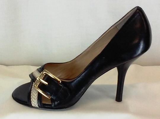 MICHAEL Michael Kors Leather Peep Toe Gold-tone Buckles Stacked Leather Black and White Pumps Image 2