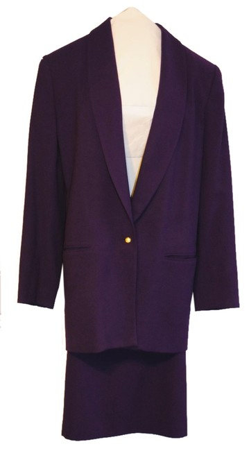 Preload https://img-static.tradesy.com/item/118616/valerie-stevens-dark-purple-skirt-suit-size-8-m-0-0-650-650.jpg