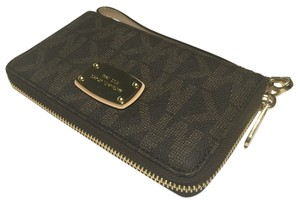 Michael Kors Michael Kors LG Flat Jet Set ZA iPhone 6 Plus Electronics Wristlet Signature MK Brown PVC