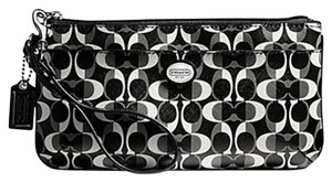 Coach F51052 51052 Wristlet in Black/White