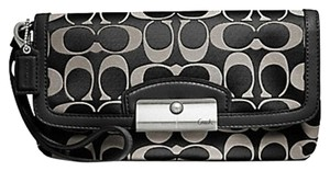 Coach F48980 48980 Large Wristlet in Black/White