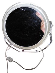 Rialto Rialto magnifying lighted make-up mirror