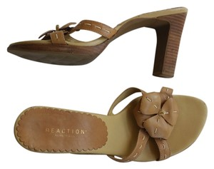 Kenneth Cole Reaction Leather Heels Tan Flower Mules Light Brown Sandals