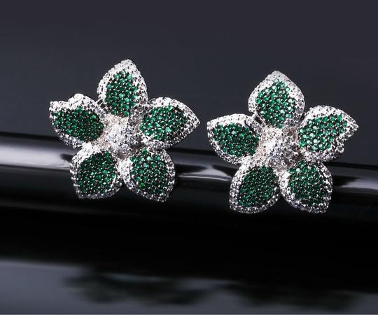 Czech Brand new flower design micropaved earrings Image 1