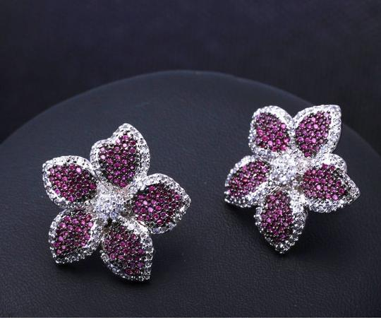 Czech Brand new flower design micropaved earrings Image 2