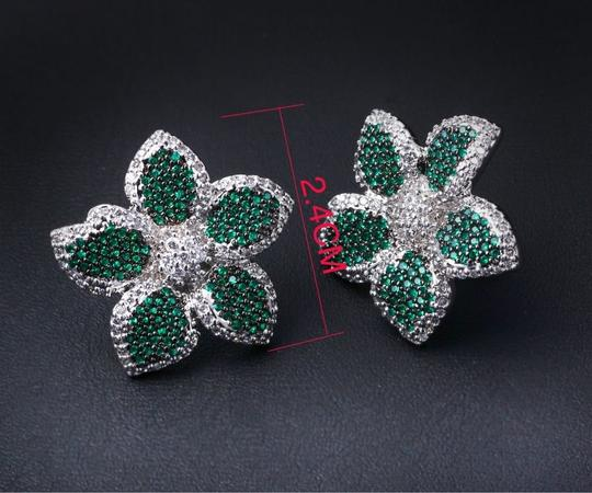 Czech Brand new flower design micropaved earrings Image 3